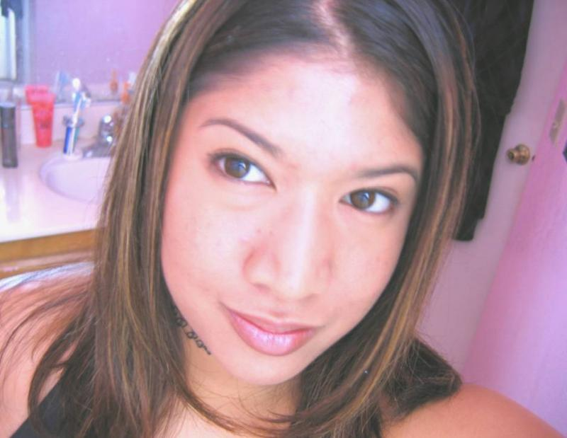 *April 04* Just b4 I started to have bad break outs again =(